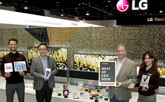 `역대급 상복 터진` LG전자, CES 2019서 132개 어워드 수상